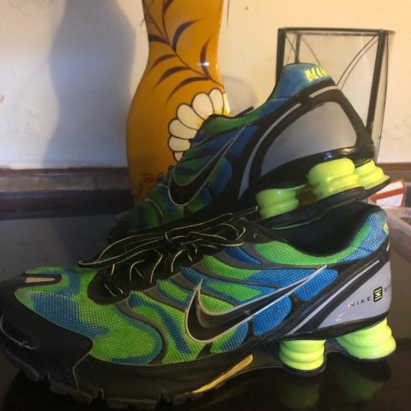 aba2f77f73dc37 Custom colored Nike Shox. M 5b3509725c4452e01e1d3120
